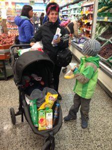 Einkaufen in Ushuaia für den Alltag kann man im hiesigen Supermarkt. Es gibt alles, was es in Deutschland auch gibt.
