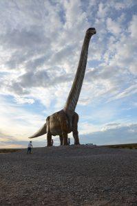 Riesiger Dinosaurier vor Trelew