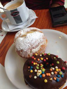 """Süßes Frühstück bei """"Don Luis"""" in El Calafate"""