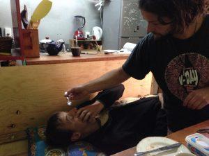 Augenbehandlung bei Johan